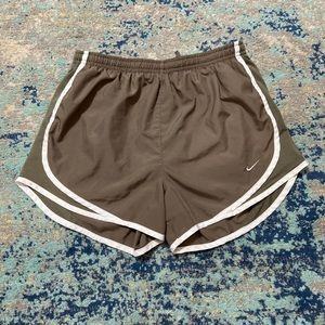 Nike dri-fit women's shorts brown and white small